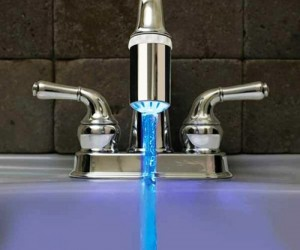 LED Kitchen Sink Faucet Nozzle – Ever wanted cool colored water coming out of your kitchen sink? Well then this is the product for you!