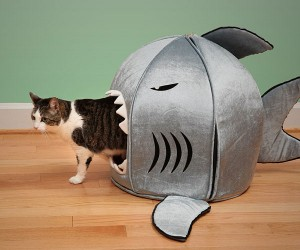 Shark Prima Nano Pet Bed – Scare the sh*t out of your pet with the shark nano pet bed by prima