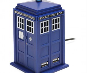If you're in the market for a USB hub and also happen to be a Doctor Who fan then do we have the perfect product for you! It's the TARDIS