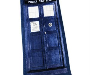 Finally you can enjoy some fun in the sun with your very own TARDIS beach towel