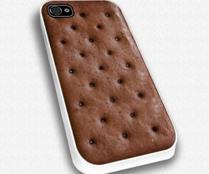Ice Cream Sandwich iPhone Case – Your iPhone will look so delicious you might just accidently take a bite out of it, yummmmm.