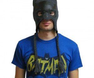 Batman Beanie Mask – Gotham City can get mighty cold this time of year, you wouldn't want to be caught up in a chill without your head and face protected.