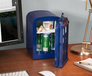 Doctor Who TARDIS Mini Fridge – Unfortunately it's not a real TARDIS, but it will keep your drinks cold!