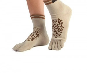 Hobbit Socks – Tired of having hairless feet? Well here at hair club for feet we can sell you a sock that will make you the most attractive Hobbit in
