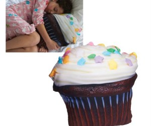 Yummy Cupcake Pillow – It will give you sweet dreams.