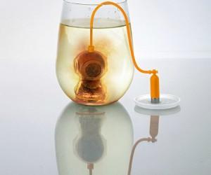 Deep Tea Diver – Explore new herbal depths and enjoy a relaxing brew.