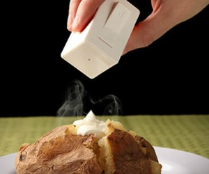 Salt and Pepper Light Switch Shaker – A geeky way to spice up your meal!