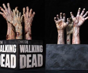 The Walking Dead Bookends – Guaranteed to  keep your zombie apocalypse needs satisfied until season 4.