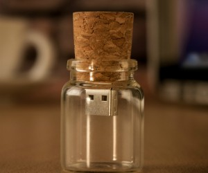 USB Message In A Bottle – A modern take on the message in a bottle.