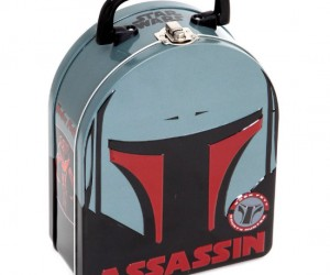 Boba Fett's helmet makes the perfect armor to protect your lunch!