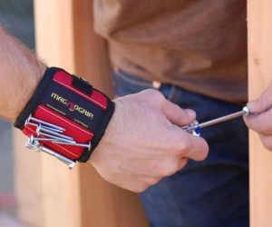 Magnetic Wristband – Ideal for holding nails, screws, fasteners, wrenches and small tools!