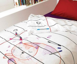 Doodle Blanket – Finally something your kids are allowed to draw on.