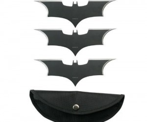 Batman Throwing Cutters – Now you can hand out your own form of wing-tipped vigilante justice. (Designed for target board throwing only)