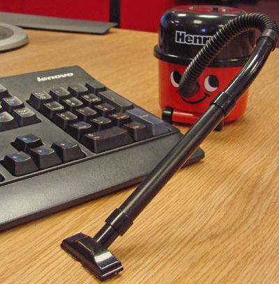 henry the hoover desktop vacuum 2