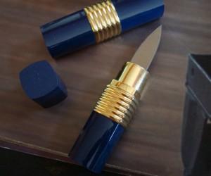 Hidden Lipstick Blade – It's always good the have an extra blade handy.