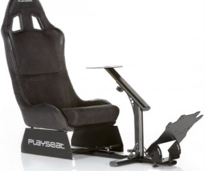PlaySeat Gaming Chair – Makes playing Forza 5 (and similar games) so comfortable you may forget you're actually playing a game!