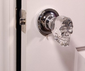 Skull Doorknob – Make no bones about it this is one great looking doorknob.