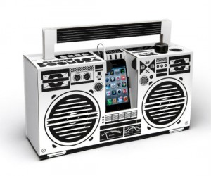 Ever wanted to build your own boombox? Well now you can with the Berlin boombox kit!