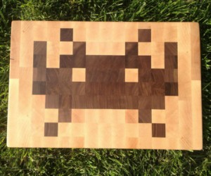 Space Invaders Cutting Board – Great gift for the gourmet geek!