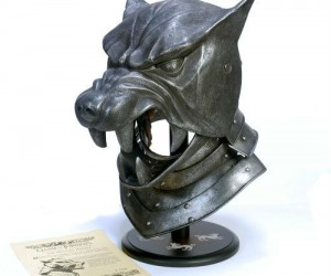 Game of Thrones: The Hound's Helm – *Note Doesn't come with any chickens