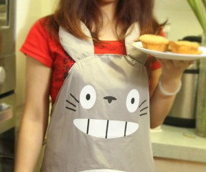 Totoro Apron – No need to ask your neighbor for sugar when they can help with the whole recipe!