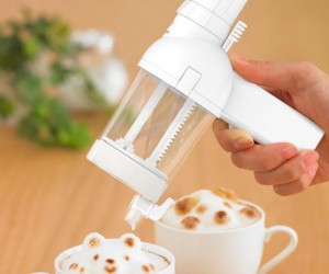 With this handy tool you can be your own artistic barista at home!