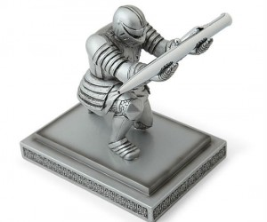 Executive Knight Pen Holder – Your pen my liege