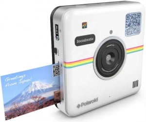 Print out and share your photos on Instagram and other social media at the same time!