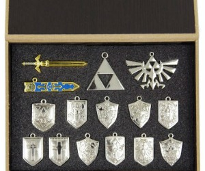 Choose from over 15 Hylian shields or symbols to wear!
