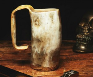 If there's one thing Jon Snow knows it's how to pick a great mug.