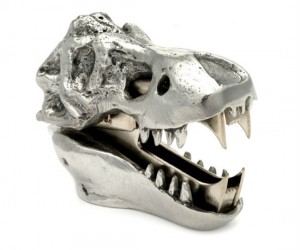 Straight from the Jurassic period the T-Rex staple remover is here to devour your helpless staples.