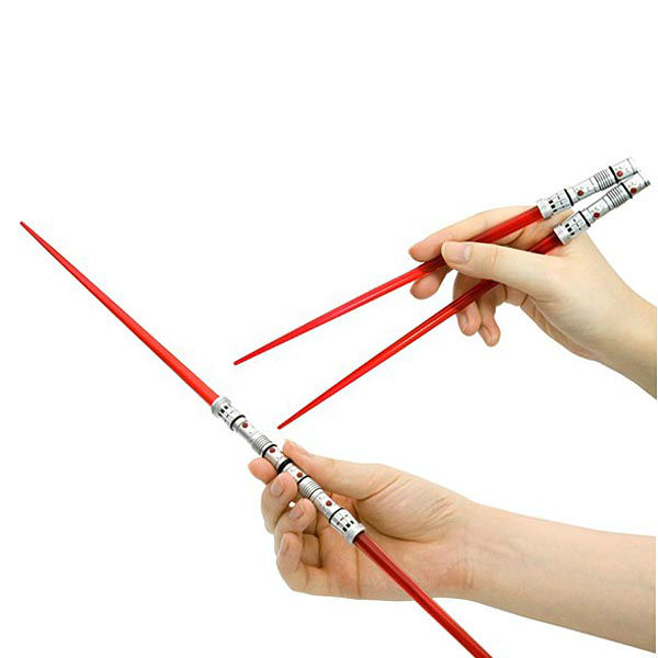 lightsaber-chopsticks-2