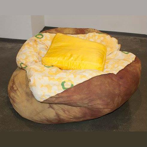 baked-potato-bean-bag-chair-2