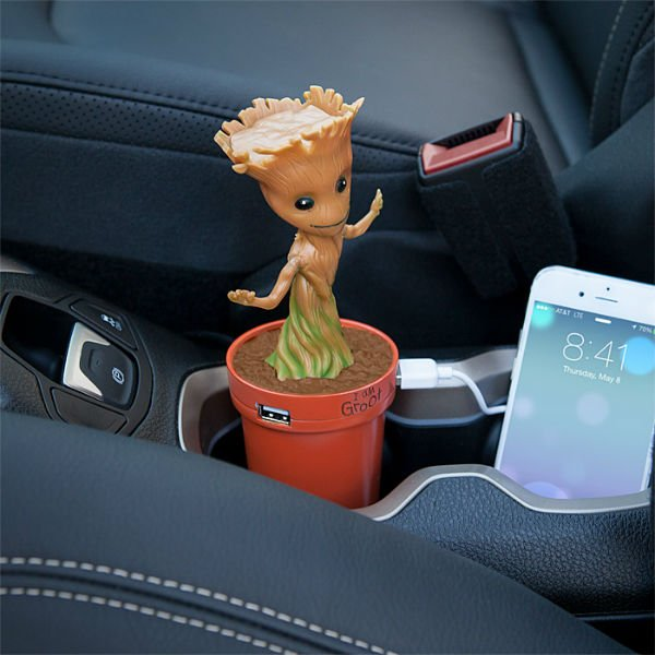 baby-groot-car-charger
