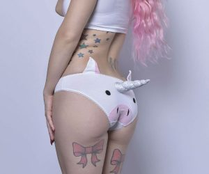 3D Unicorn Underwear –Hipster style unicorn face knickers with a fixed plush unicorn horn. The unicorn face is appliqued on (sewn on) and the horn is stuffed with polyester stuffing
