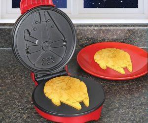 Millennium Falcon Waffle Maker!