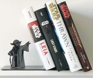 Star Wars Yoda Bookends – Display a collection of sacred Jedi texts, or your favorite page-turners with a little help from Master Yoda.