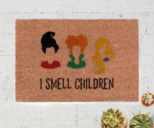 I Smell Children Hocus Pocus Doormat – Made with natural brown coir (coconut) fiber matting, this outdoor welcome mat is perfect for Halloween or all season!