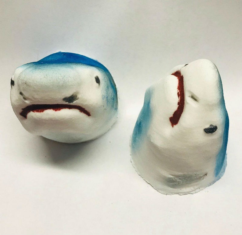 shark head bath bomb