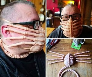 ALIENS Facehugger Face Mask
