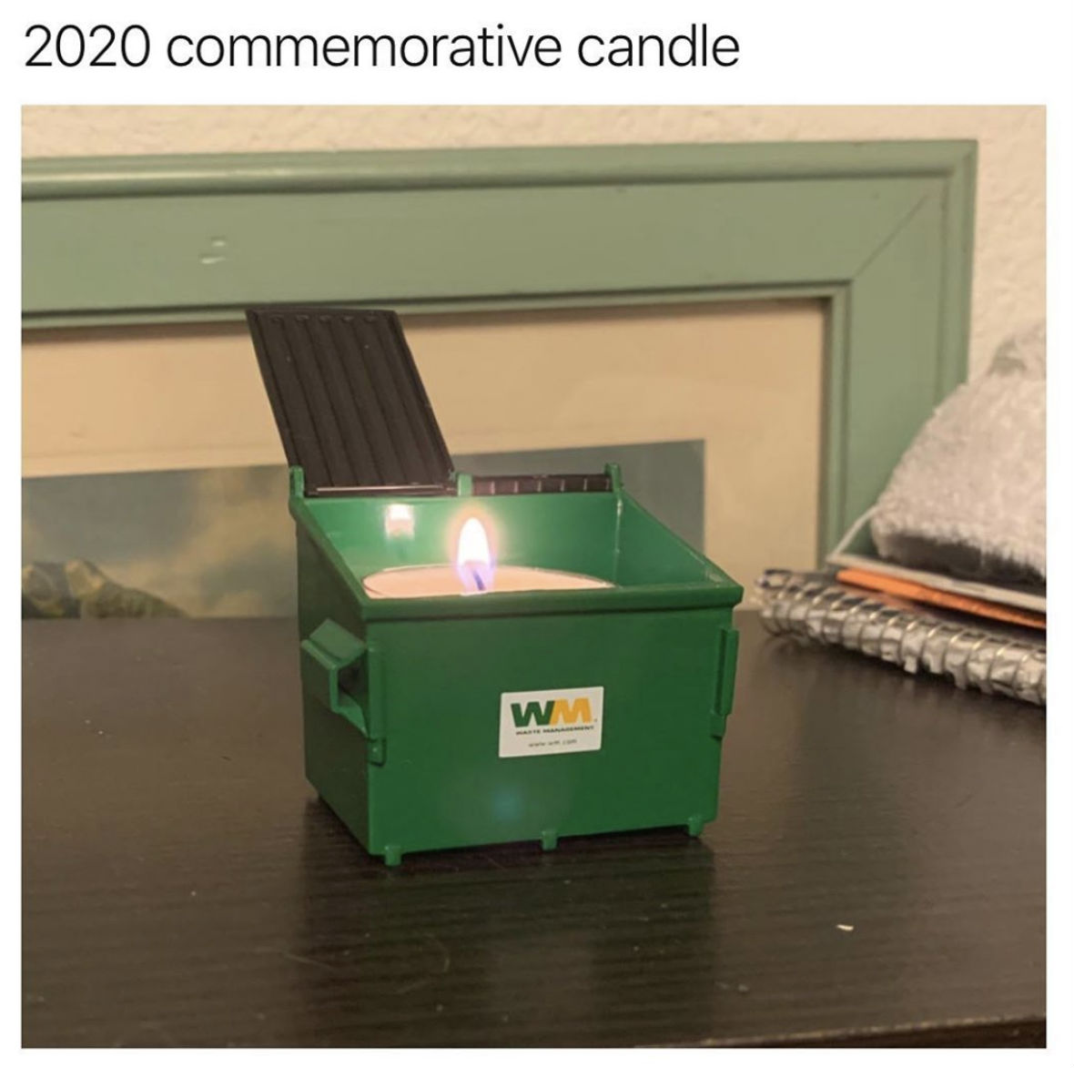2020 commermorative candle