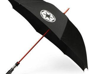 Star Wars Lightsaber Umbrella – No need to use the force to stay dry when you've got one of these handy umbrella!