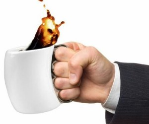 Start your day off fighting as if you are part of a high octane action movie with the awesomely cool Brass Knuckles coffee cup. A manly coffee cup for a