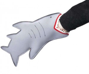 Shark Oven Mitt – Make it look as if your hand is being bit off by a shark with the shark oven mitt