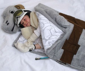 Tauntaun Sleeping Bag – What better way to stay warm on the ice planet Hoth than with your very own Tauntaun sleeping bag.