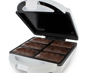 No oven? No problem! Use the brownie bar maker to make those delicious brownies in minutes with no oven required!
