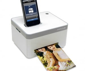 iPhone Photo Printer – You don't have to deal with the rude clerks behind the photo developing counter at your local drug store if you have your very own photo