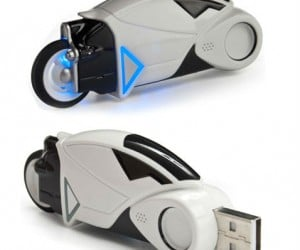 Tron Flash Drive – Fight for the user with this mini Tron Lightcycle flash drive