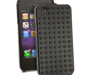 Lego iPhone case – Everybody loves to play with Legos, and everybody loves to play with their iPhone; Now you can play with both at the same time!