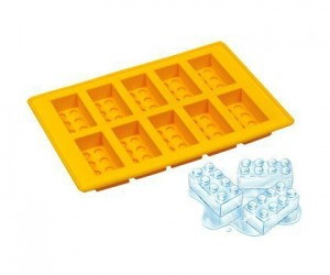 Lego Ice Cube Tray – Perfect for keeping your drinks cold, as for playing with them, you better build your LEGO house quick before it melts!